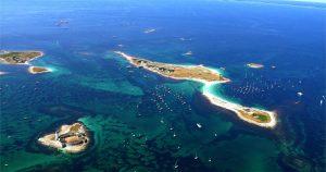 Survol en hélicoptère de l'archipel des Glénan
