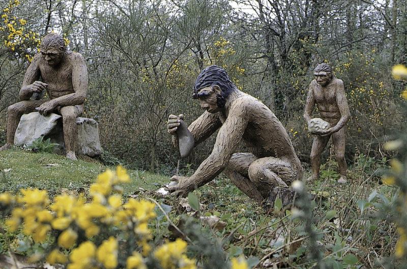 Parc de Préhistoire de Bretagne – hommes préhistoriques
