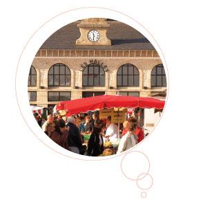 Les halles et le marché à Concarneau